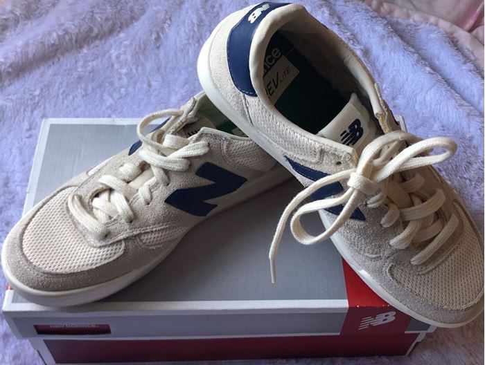صورة New Balance Women Sneaker Shoes