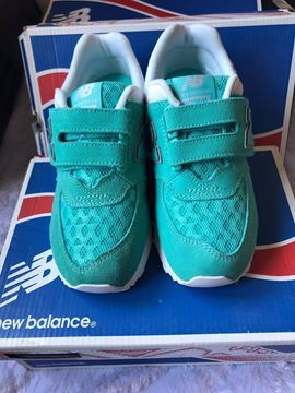 صورة New Balance Sneaker Shoes for Kids