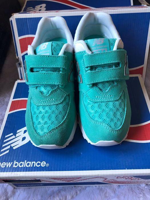 صورة New Balance Sneaker Shoes for Kids