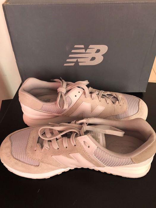 صورة New Balance Sneaker Shoes for Men