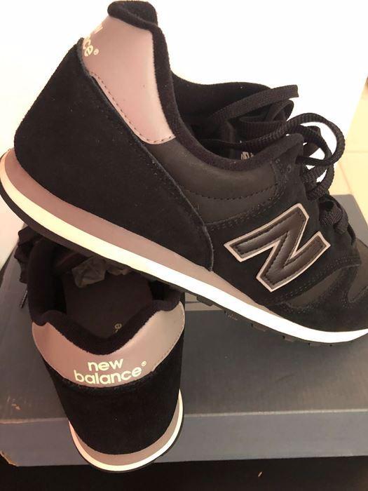 صورة New Balance Men Sneaker Shoes