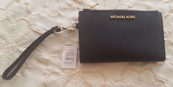 Picture of MICHAEL Michael Kors Saffiano Jet Set Travel Flat Multifunction Wallet