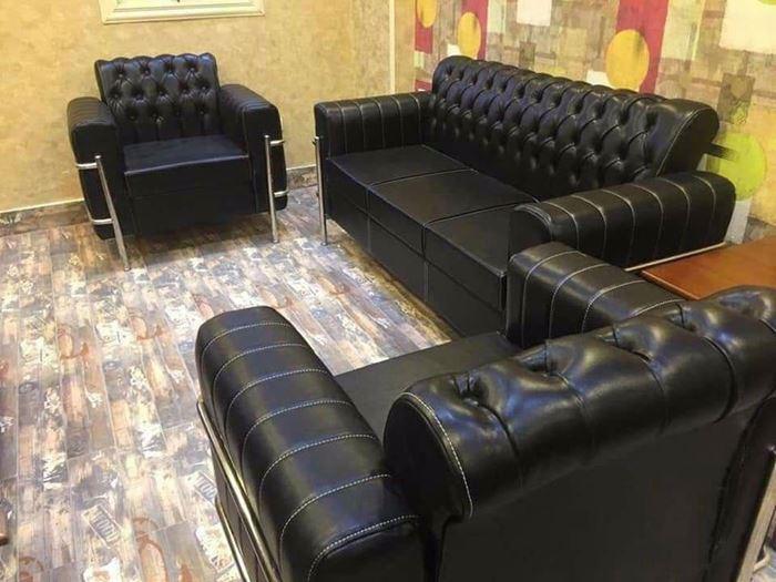 صورة Black Imported leather sofa set - طقم أنترية جلد أسود مستورد
