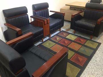 صورة Advanced sofa set with charger - طقم أنترية أسود سمارت بشاحن